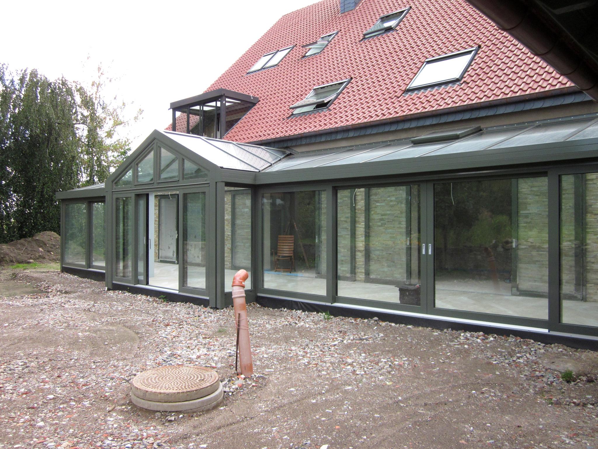 wintergarten aluminium mit gaube glalum. Black Bedroom Furniture Sets. Home Design Ideas